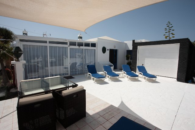 New luxury villa in Charco del Palo